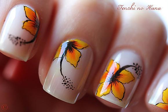 Дизайн ногтей с рисунком красками