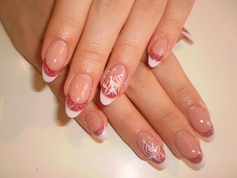 Красивый дизайн ногтей на круглые ногти