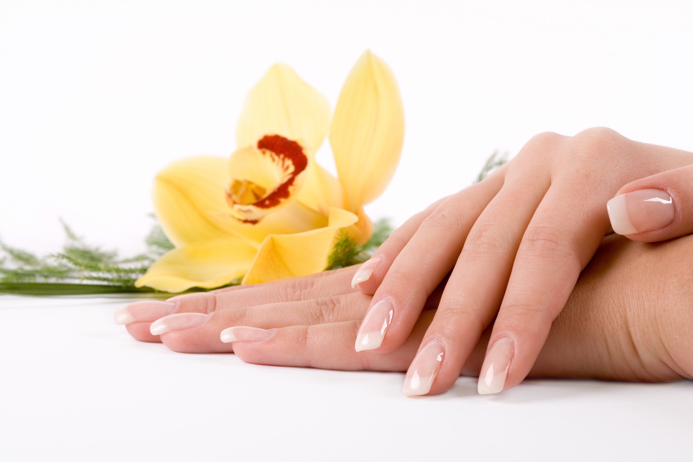 Nails with flower