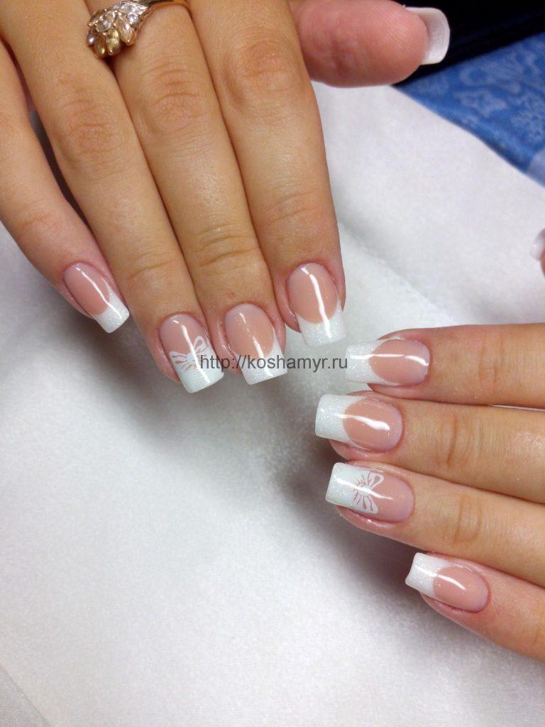 Фото дизайна ногтей белого френча